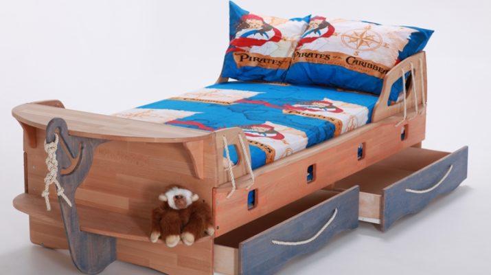 Детская кровать морской тематики