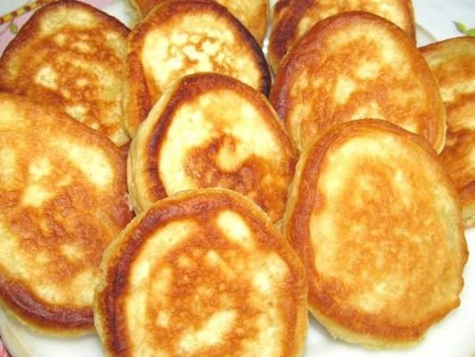 Рецепт как приготовить оладьи на кефире (пышные) | 400x533