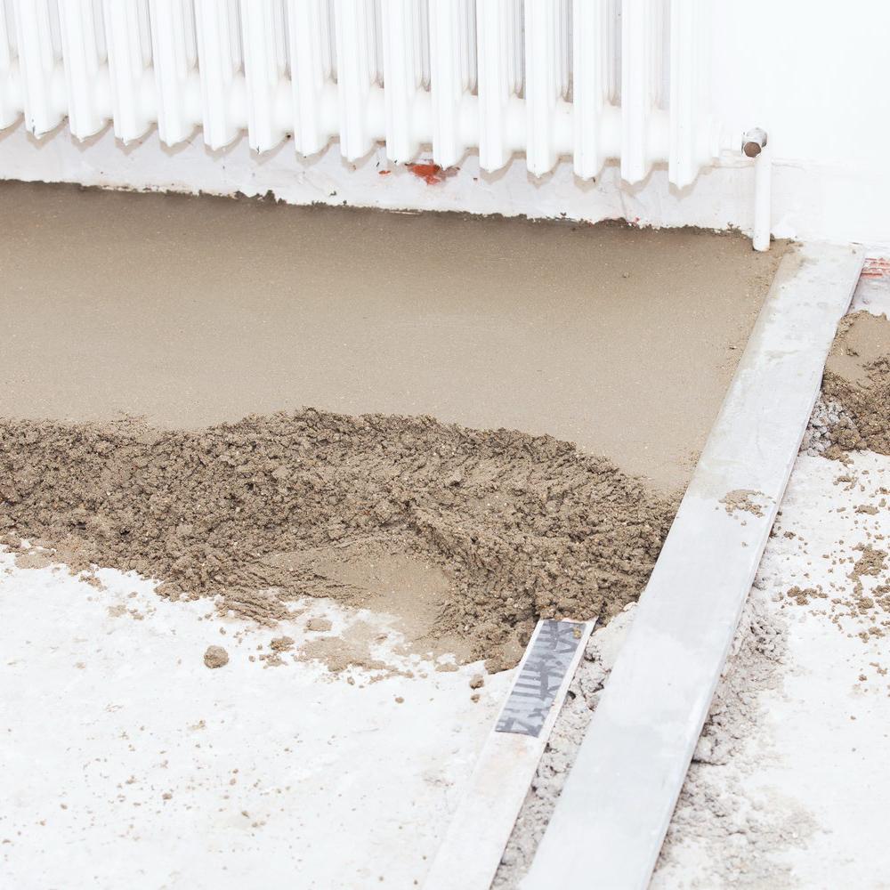Смесь для выравнивания бетонной стяжки грунтовка бетон контакт старатели купить