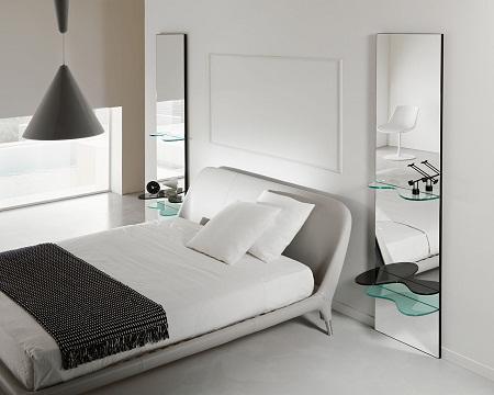 Вешаем зеркало в спальне по 8 правилам