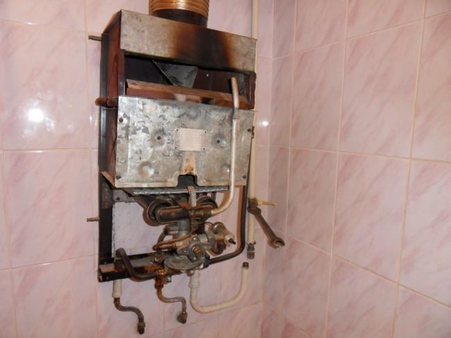ремонт старой газовой колонки