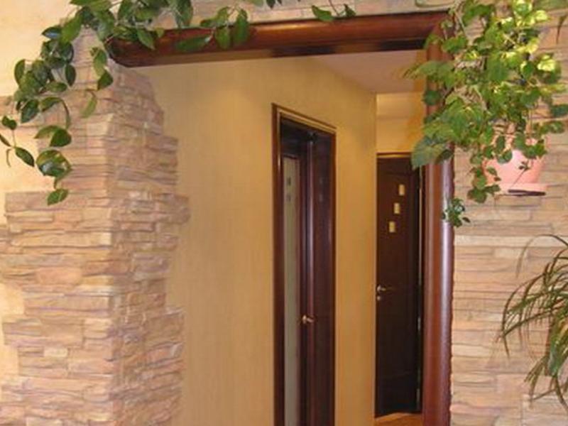 дверной проем из декоративного камня фото ромашка частый гость