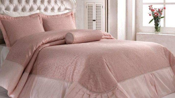 Основные виды покрывал для кровати