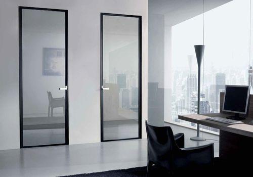 Почему для дома стоит выбрать алюминиевые двери
