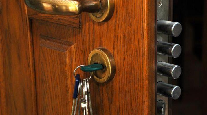 Что делать, если заклинило замок входной металлической двери