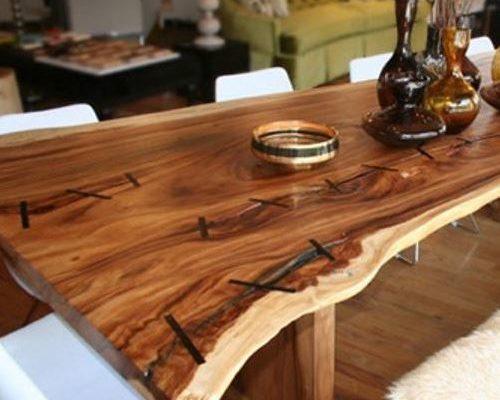 Стоит ли использовать в интерьере стол из массива дуба